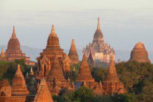 Bagan ruinas Myanmar ingles guia en tailandia
